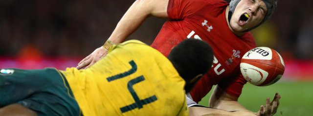 Foot injury sidelines Jonathan Davies for 6 months