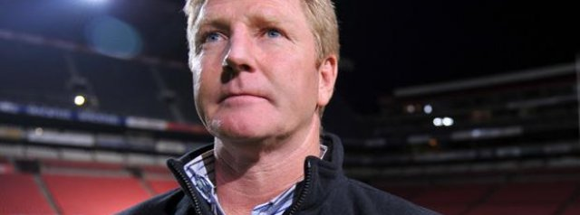 Dick Muir returns to Sharks coaching role