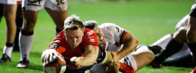 WATCH: Chris Ashton coughs up a certain try
