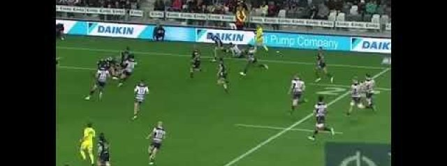 WATCH: Naholo's HUGE hit on Jack Maddocks