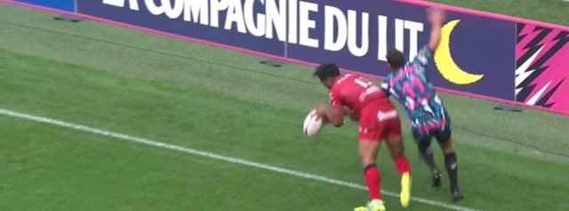 Video: Quick thinking by Malakai Fekitoa leads to Tuisova try