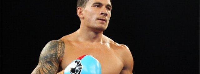 Sonny Bill Williams  returns to the boxing ring