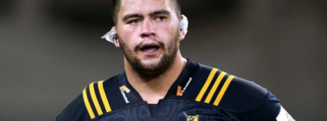 Hurricanes welcome Tyrel Lomax on four-year deal