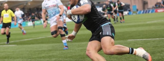 Glasgow hold on despite Sale's late charge
