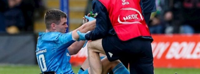 Injury puts Johnny Sexton in doubt for Six Nations