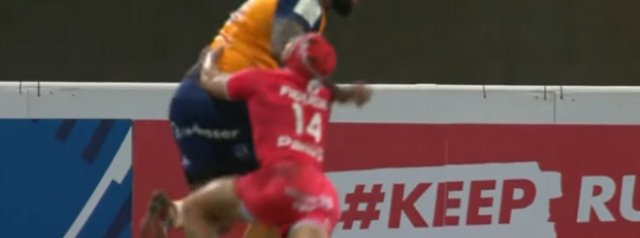 Putting his body on the line! Cheslin Kolbe injures in ribs in his tackle on Nemani Nadolo