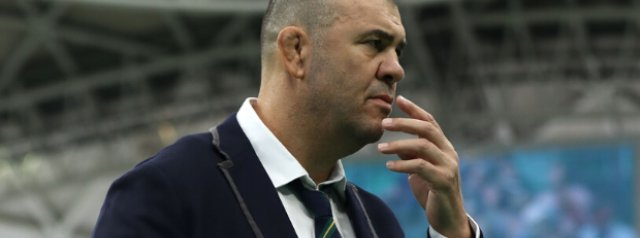 Michael Cheika makes shock code switch