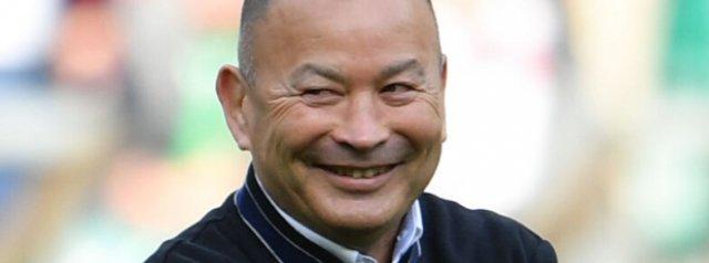 Eddie Jones agrees to pay cut
