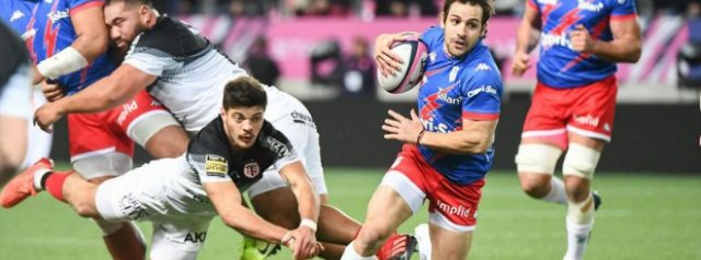 Stade Francais walk a tightrope as 25 members of camp test positive for Covid-19