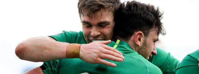 Six try Ireland smash Italy 10-48